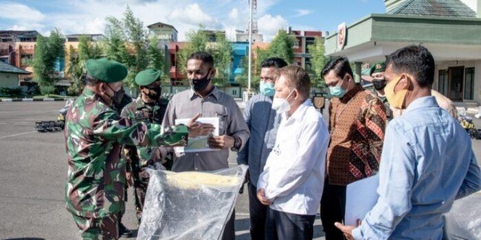 Pangdam XVI/Pattimura Serahkan 20 Unit Handtraktor Bantuan Presiden RI
